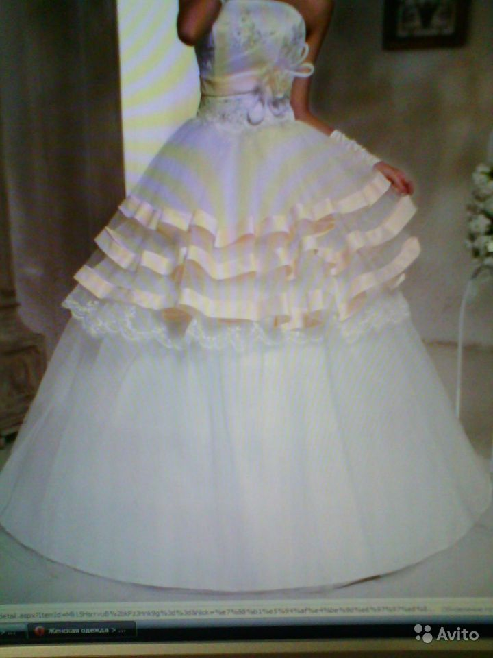 Объявление Продажа Б.У Свадебных Платья Кострома