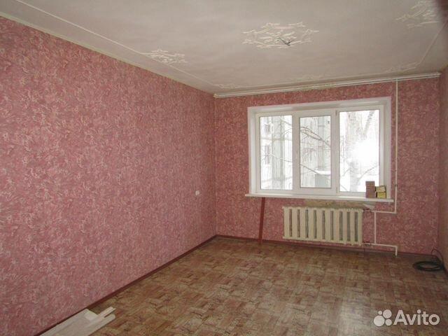 Продается трехкомнатная квартира за 2 260 000 рублей. Балаково, Саратовская область, Степная улица, 12.
