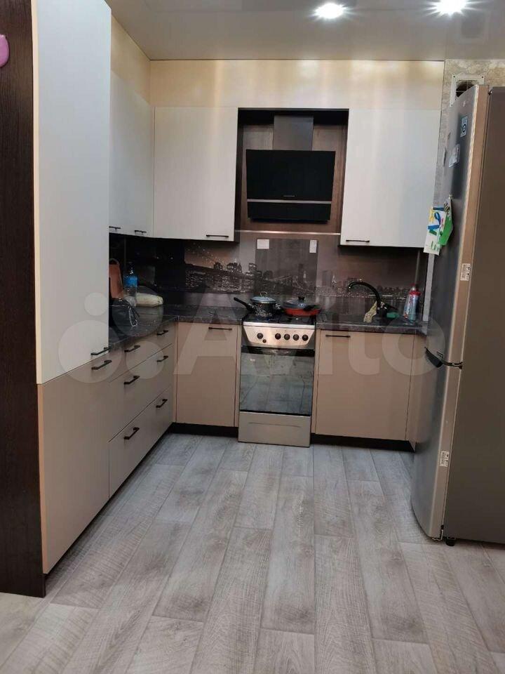 3-room apartment, 82 m2, 1/9 et.  89113592534 buy 1